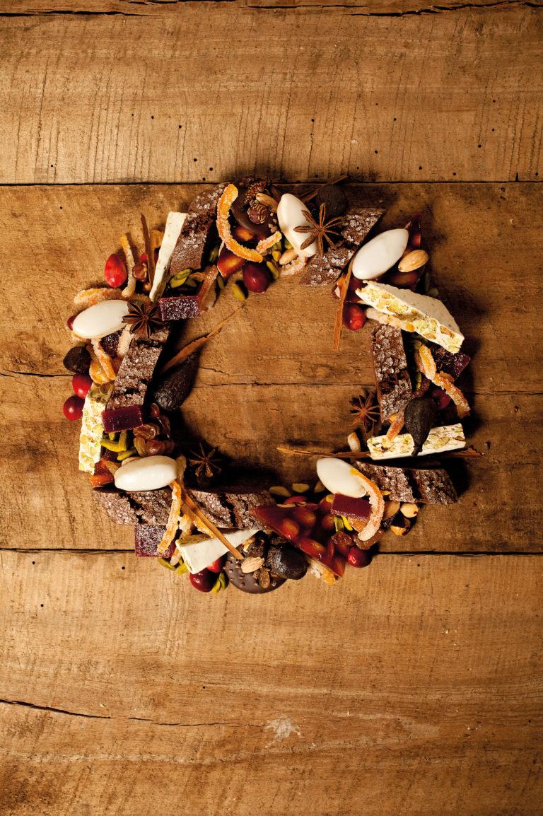 Article sur les 13 desserts dans le magazine A vous 2 Voir pour Noël